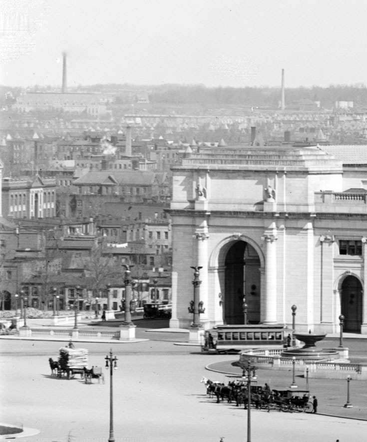 A view of the space next to Union Station,<br />circa 1909, that would become the new city post office.