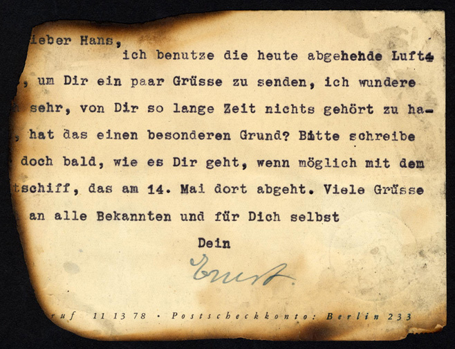 message in German on reverse of crash card