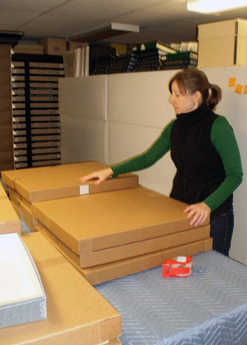 An intern sealing boxes